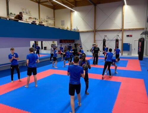 Fussball trifft Kickboxen: LFV U15 zu Gast im Sportcenter Lampert